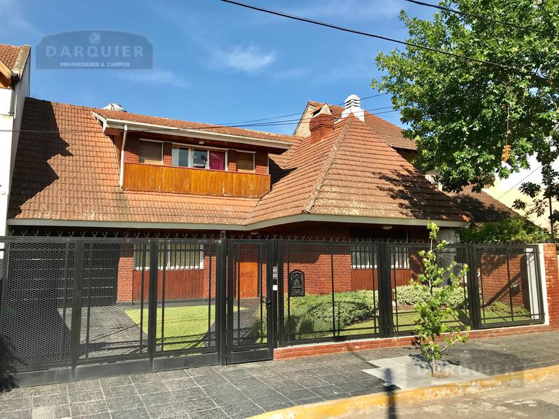 Foto Casa en Venta en  Adrogue,  Almirante Brown  DE KAY 451