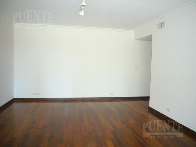 Foto Departamento en Venta en  Puerto Madero,  Centro (Capital Federal)  Edificio Rio Plaza 3 dormitorios y dep. de serv., con 2 cocheras  y baulera