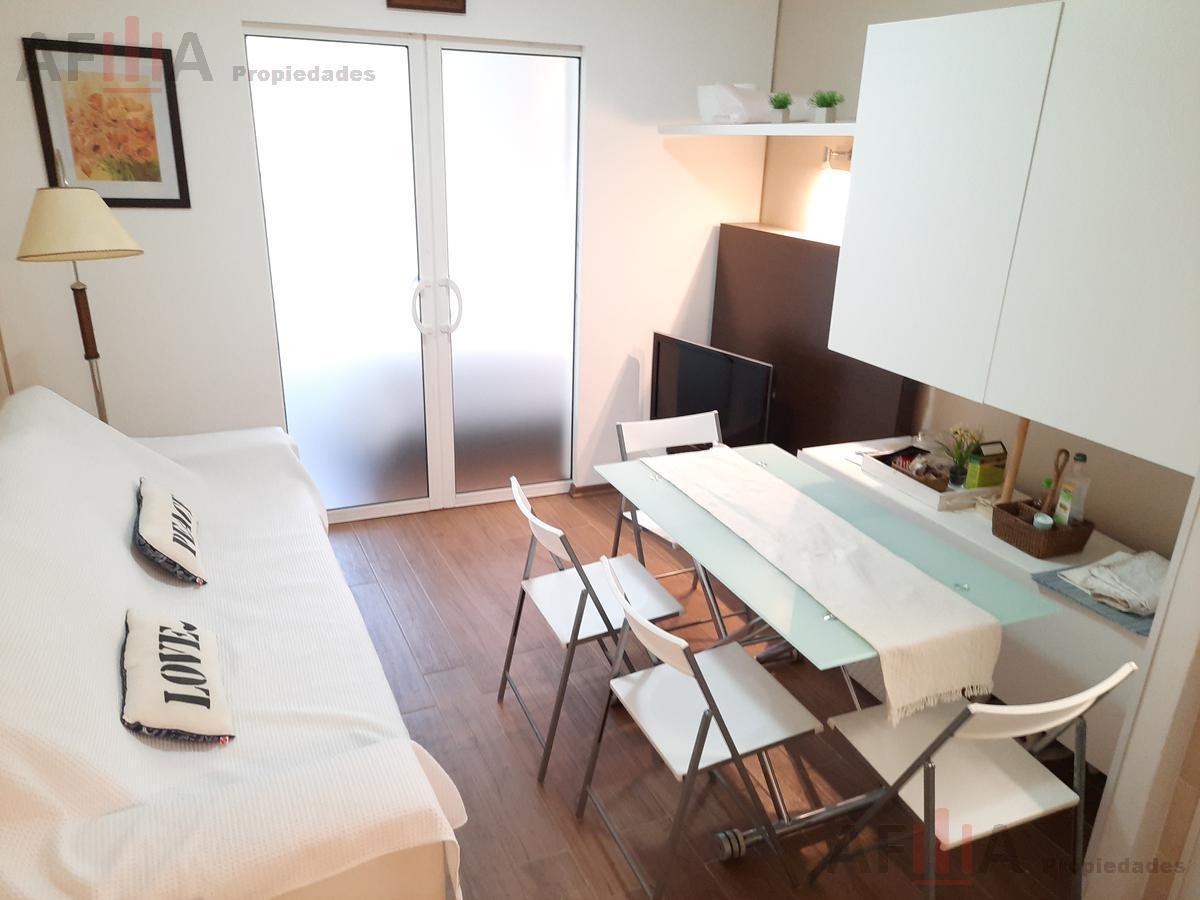 Foto Apartamento en Alquiler temporario en  Playa Mansa,  Punta del Este  Complejo Arcobaleno, Anillo I Ap. al 0