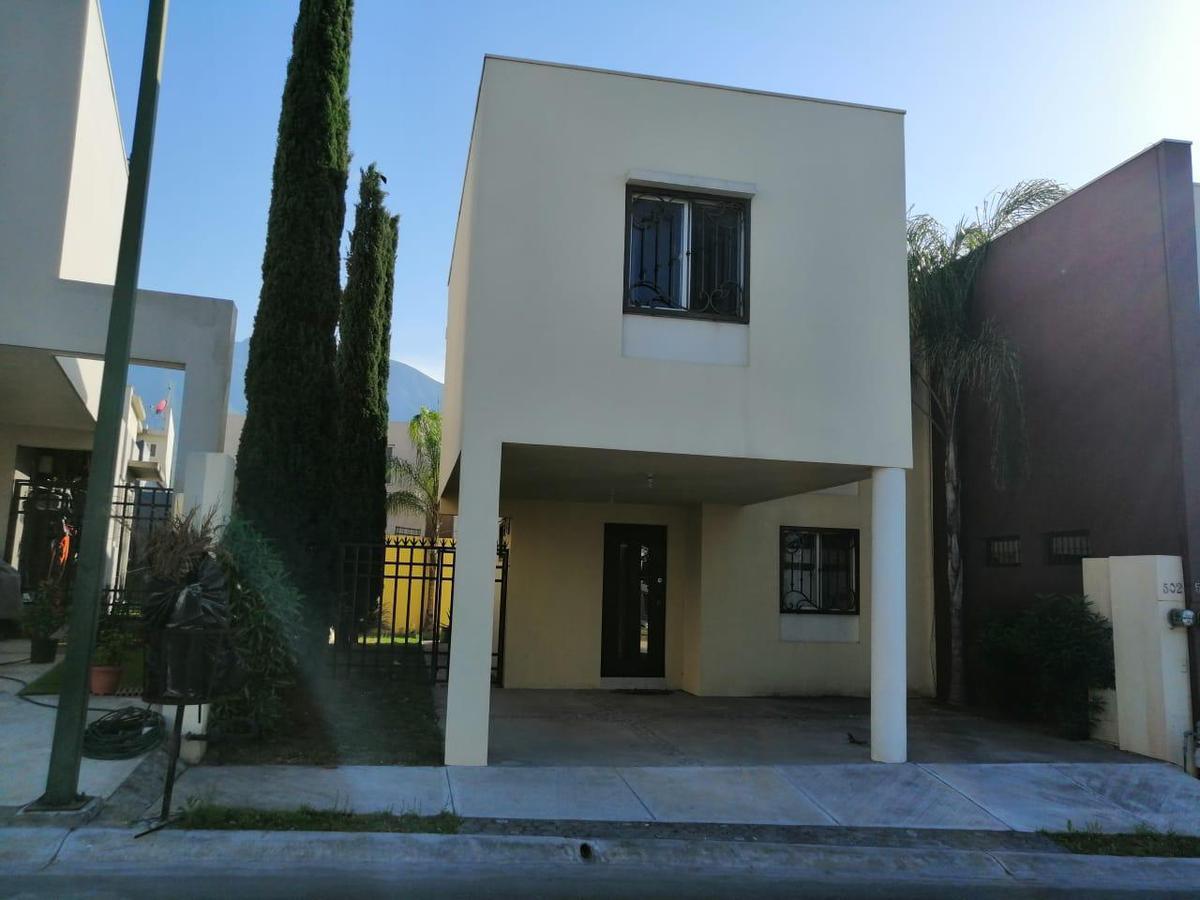 Foto Casa en Venta en  Las Lomas Sector Jardines,  García  DE LA CAÑADA al 500