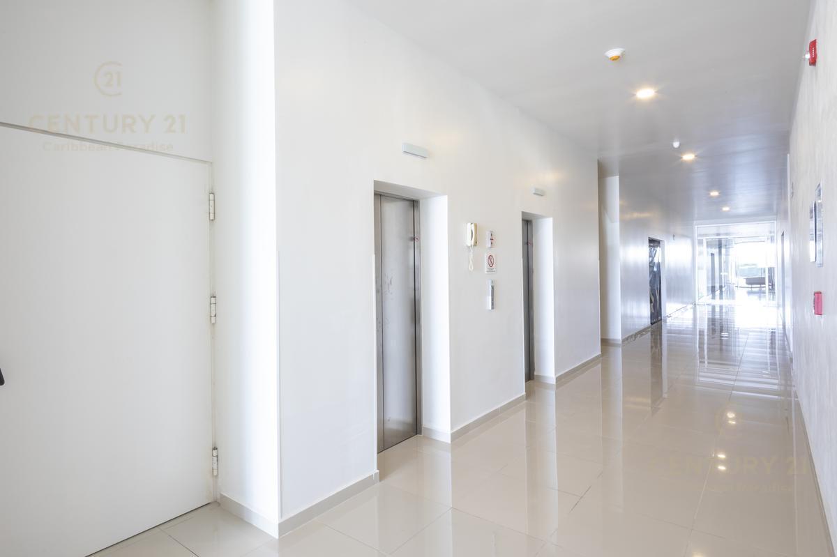 Supermanzana 301 Office for Sale scene image 4