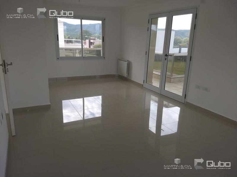 Foto Casa en Venta en  Villa Carlos Paz,  Punilla  La Arbolada