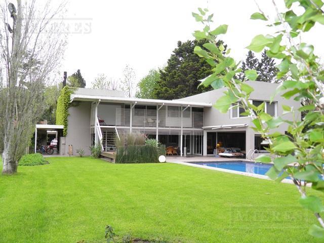 Casa de 704 mts. en Highland Park
