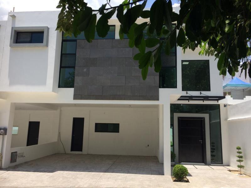 Asesores Inmbiliarioss Casa En Venta En Fraccionamiento Hacienda