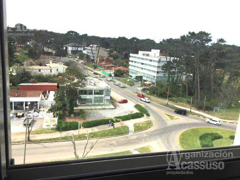Foto Departamento en Alquiler temporario | Alquiler en  Punta del Este ,  Maldonado  Av. Roosevelt Parada 5