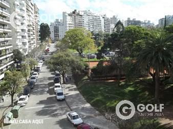Foto Terreno en Venta en  Villa Biarritz ,  Montevideo  Con vista al parque ! Oportunidad , últimos !