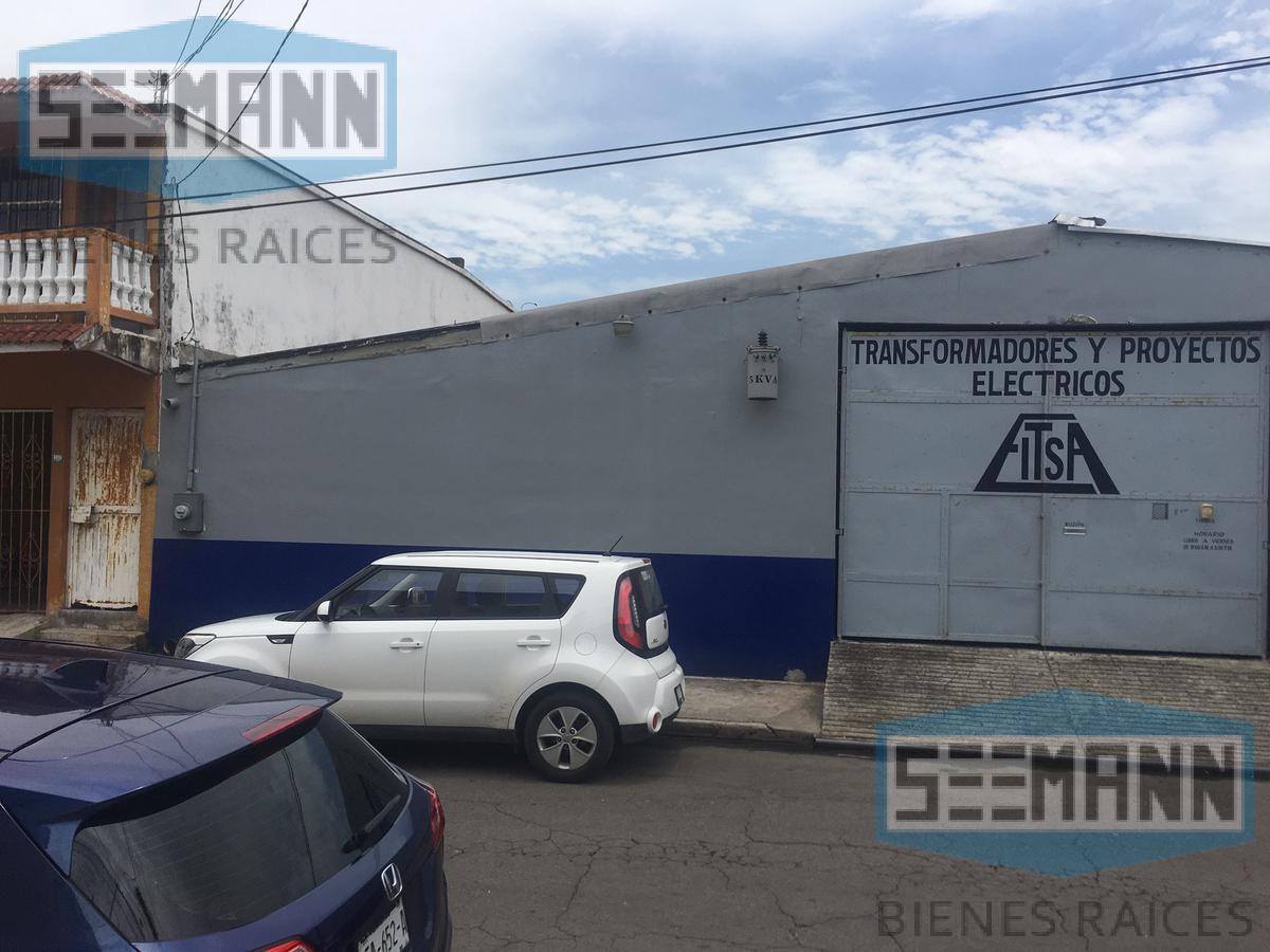 Foto Bodega Industrial en Venta en  Boca Del Rio,  Boca del Río  Calle 4 # 405 entre 20 de Noviembre y Diaz Mirón, Col. Nueva Era, Boca del Río, Ver.