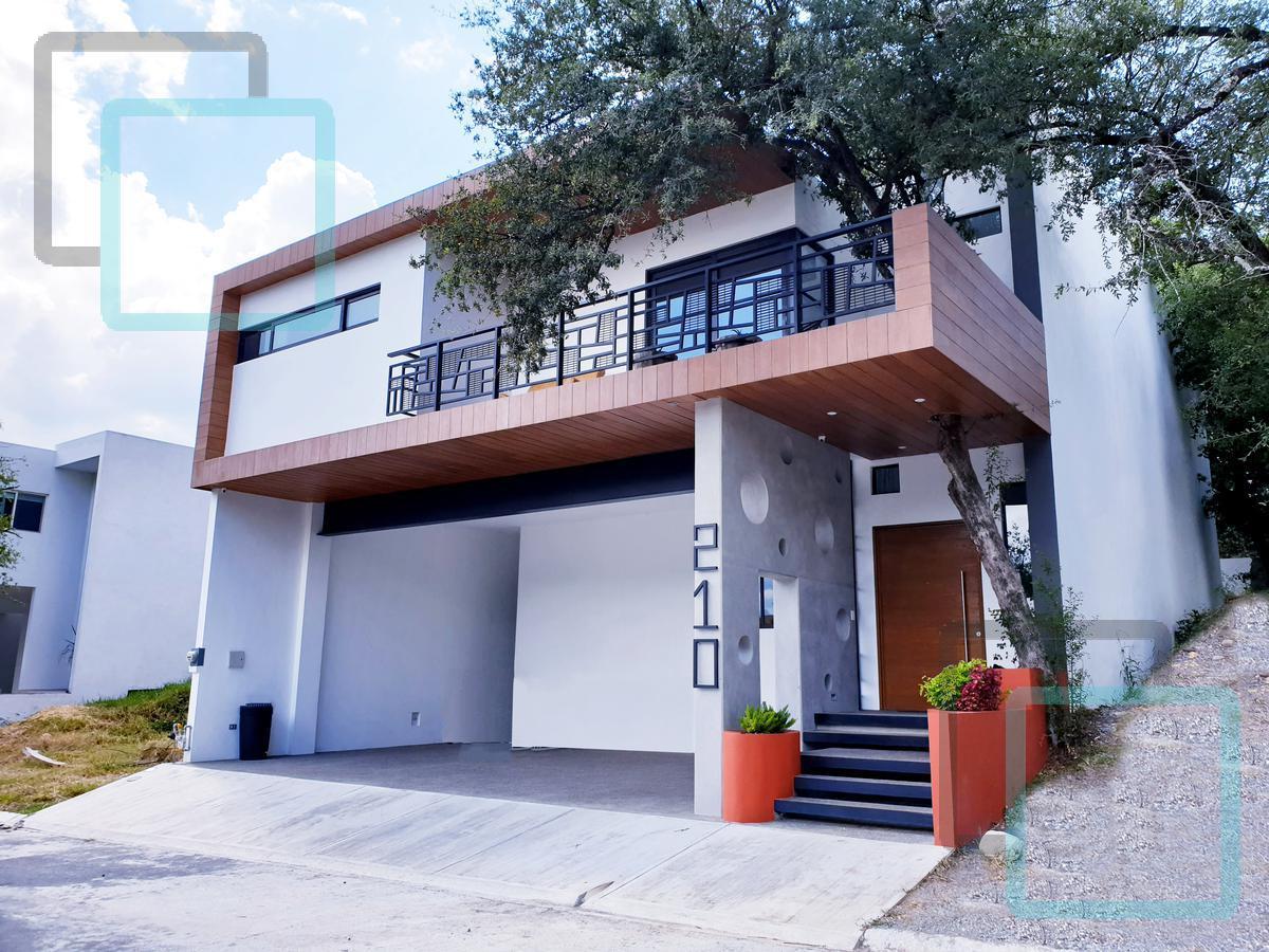 Foto Casa en Venta en  Catuajnes,  Monterrey  CASA EN VENTA FRACCIONAMIENTO CATUJANES ZONA CARRETERA NACIONAL MONTERREY