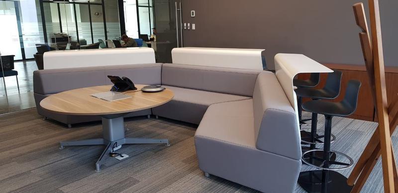Foto Oficina en Renta en  Centro Sur,  Querétaro  Oficina Renta IOS Office Centro Sur 4 personas $15,078 Hugrod EQG1