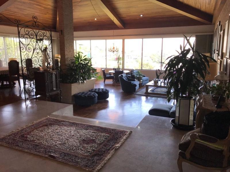 Foto Casa en Venta en  Bosque de las Lomas,  Miguel Hidalgo  Casa en venta en Bosques de las Lomas con salón de fiestas.