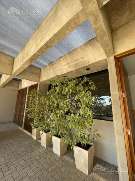 Foto Casa en Venta en  Santina Norte,  Valle Escondido  Santina Norte