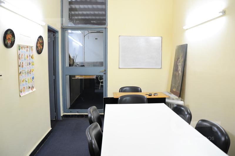 Foto Oficina en Venta en  Recoleta ,  Capital Federal  Arenales al 2000