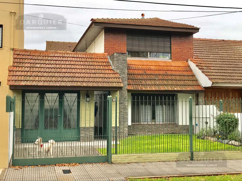 Foto Casa en Venta en  Adrogue,  Almirante Brown  GENERAL PAZ 430
