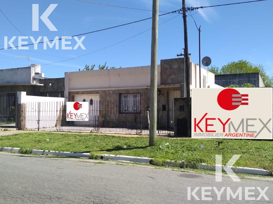 Foto Casa en Venta en  Ringuelet,  La Plata  calle 512 entre 7 y 8