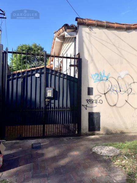 Foto Casa en Venta en  Adrogue,  Almirante Brown  PASAJE ROCHA 665