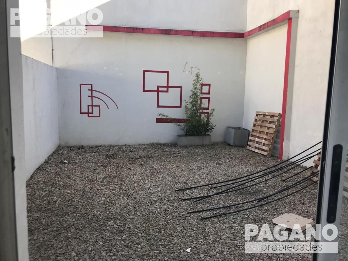 Foto Local en Venta en  La Plata ,  G.B.A. Zona Sur  Diagonal 73 n° 1332 entre 9 y 59
