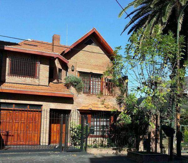 Foto Casa en Venta en  San Isidro ,  G.B.A. Zona Norte  Hipolito Yrigoyen 246