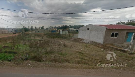 Foto Terreno en Venta en  Carmelo ,  Colonia  Av. Paraguay esquina Victor Haedo