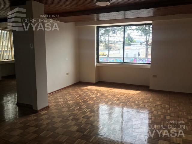 Foto Oficina en Alquiler en  Centro Norte,  Quito  Amazonas - Gaspar de Villarroel, Edificio Para oficinas de Arriendo 200m2