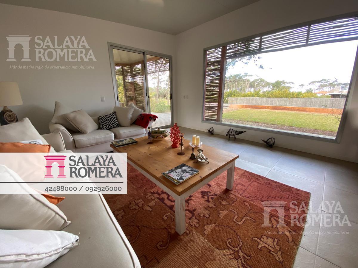 Foto Casa en Alquiler temporario en  Punta Ballena ,  Maldonado  Venta- alquiler- casa  2 dorm  en chihuahua , punta ballena.