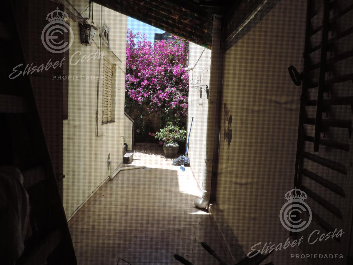 Foto Casa en Venta en  Avellaneda ,  G.B.A. Zona Sur  Rivero al 200