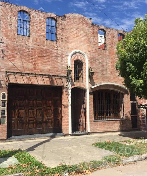 Foto Casa en Venta en  Temperley,  Lomas De Zamora  Avenida Rivadavia al 500