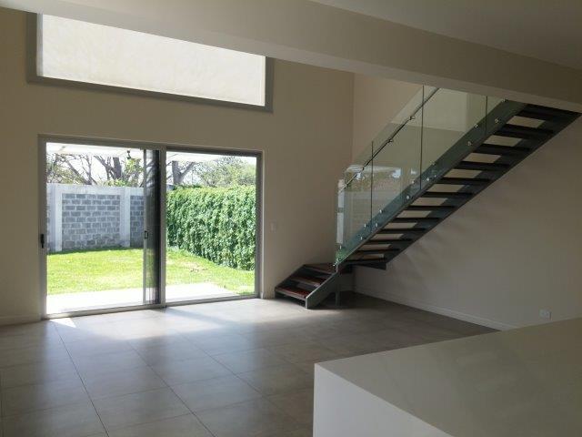 Foto Departamento en Venta en  Santana,  Santa Ana  Apartamento en venta en condominio en Santa Ana!