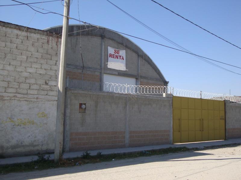 Foto Bodega Industrial en Renta en  Francisco I. Madero,  San Mateo Atenco  Bodega Comercial de 700  m2 a metros de Paseo Tollocan, Toluca