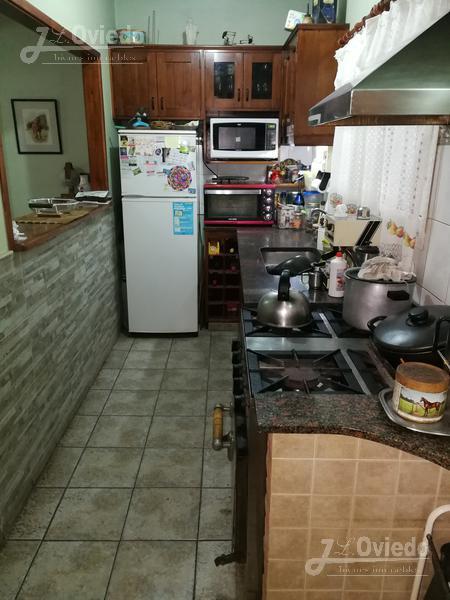 Foto Casa en Venta en  Hurlingham ,  G.B.A. Zona Oeste  (Of 2019) Andoegui al 2700