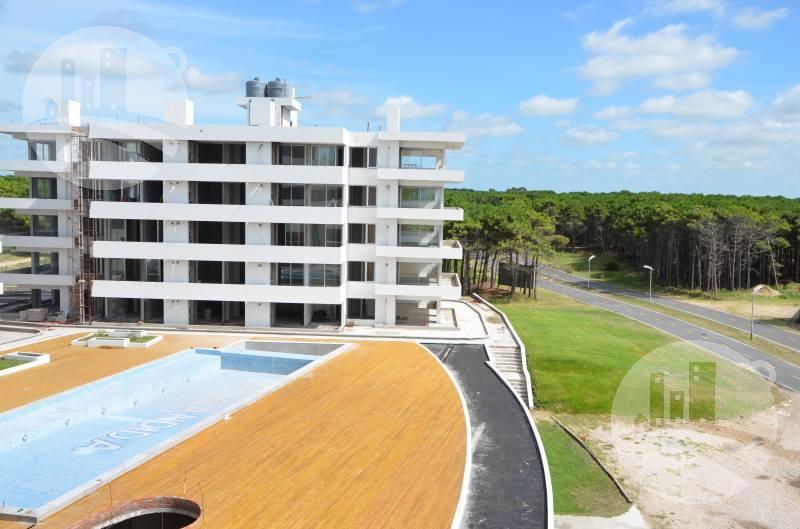 Foto Departamento en Venta en  Pinamar ,  Costa Atlantica  Departamento · 48m2 · 2 Amb. · Cochera / Villa Robles