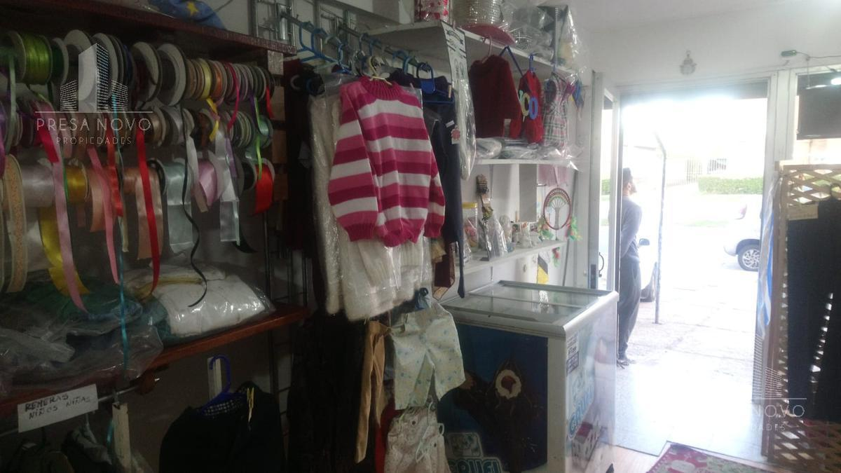 Foto Local en Venta en  Las Piedras ,  Canelones  Municipio esquina Av.Artigas