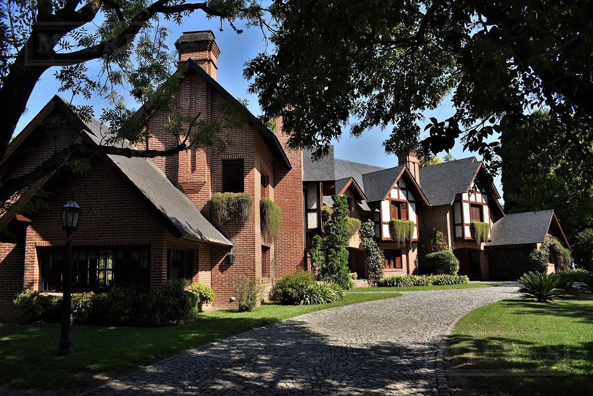 Importante casa de 500 mts en  Highland Park C.C.