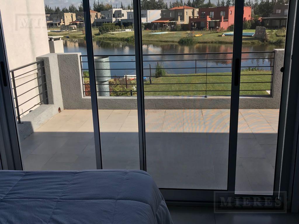 Casa en venta con renta en La Comarca a La Laguna!