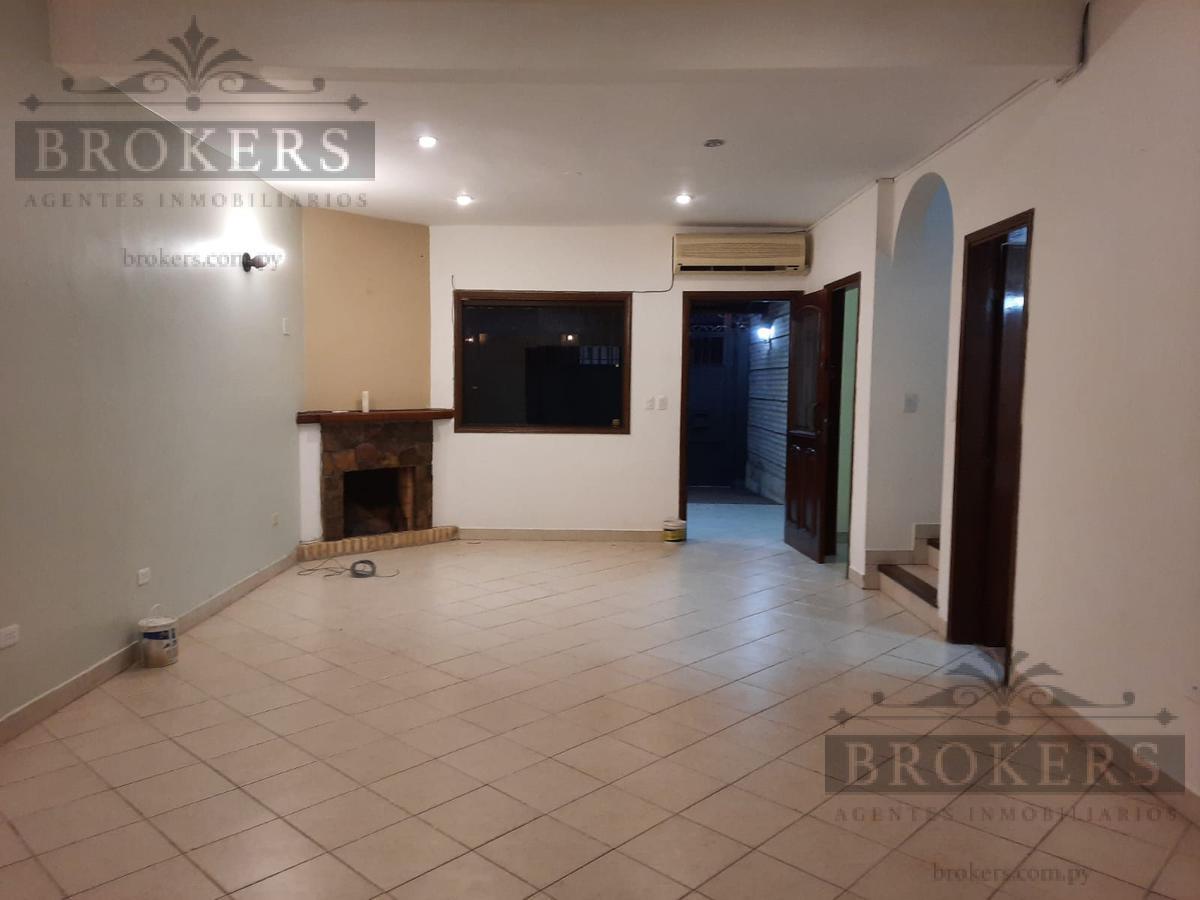 Foto Casa en Alquiler en  Las Lomas,  Santisima Trinidad  Alquilo Duplex En zona Shopping del Sol Barrio Las Lomas