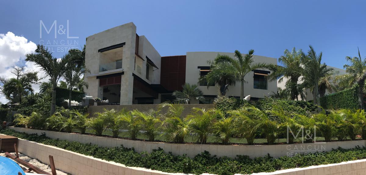 Foto Casa en Venta en  Puerto Cancún,  Cancún  Casa en Venta en Cancún, Punta Kalia, de 5 recámaras con muelle  en Puerto Cancún