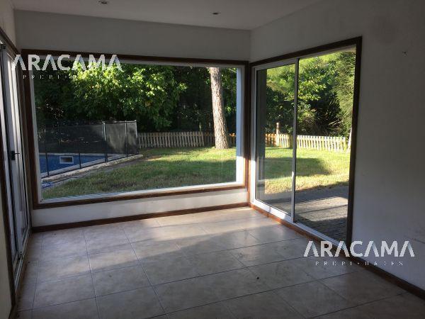 Foto Casa en Venta | Alquiler en  Solar Del Bosque,  Countries/B.Cerrado (Ezeiza)  Barrio Solar del Bosque, Caninning