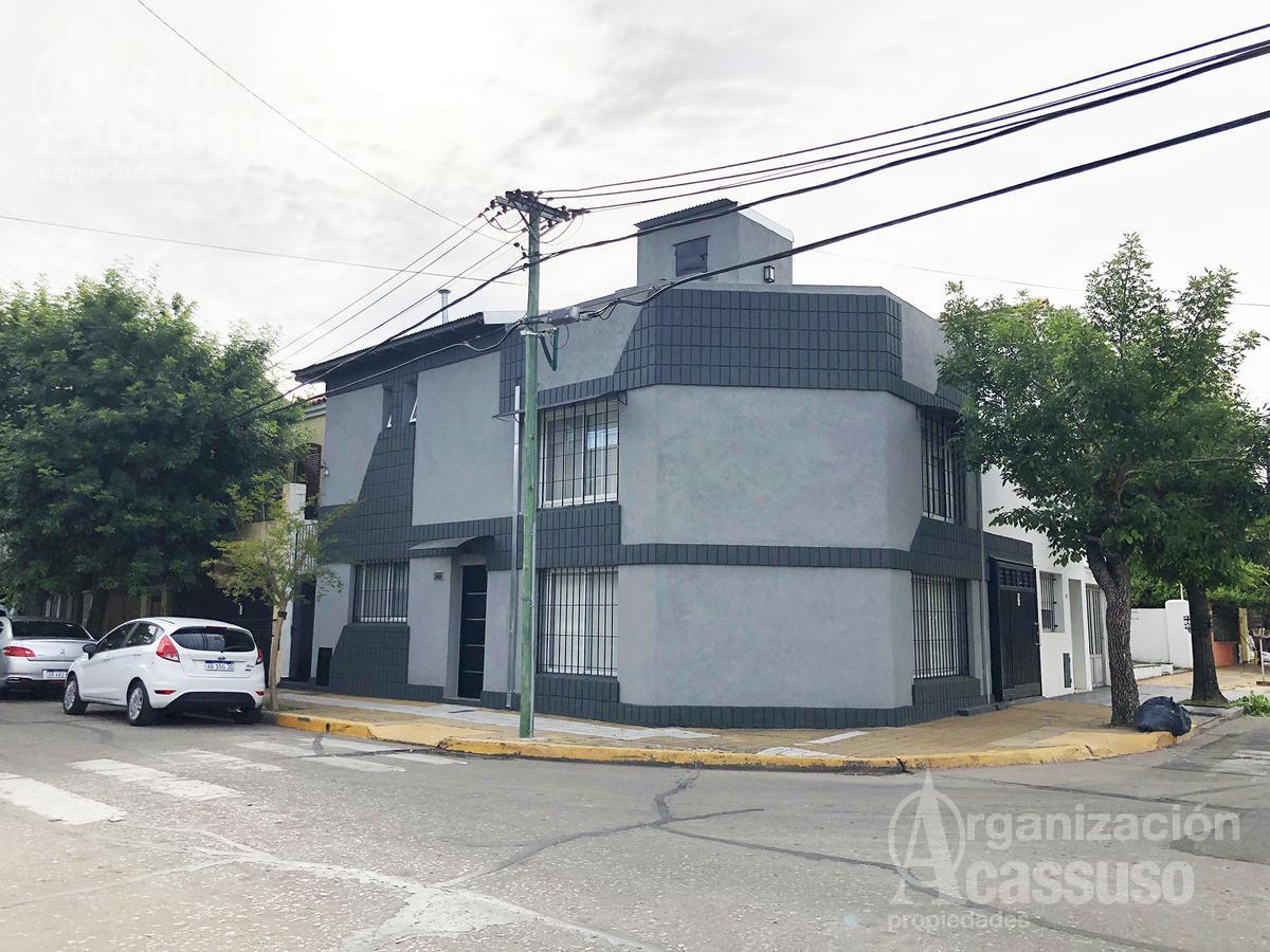 Foto Casa en Venta |  en  San Fernando ,  G.B.A. Zona Norte  Casa en Venta en San Fernando. Impecable