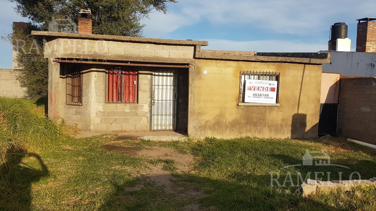 Foto Casa en Venta en  Intendente Mójica,  Rio Cuarto  Sobremonte al 2700