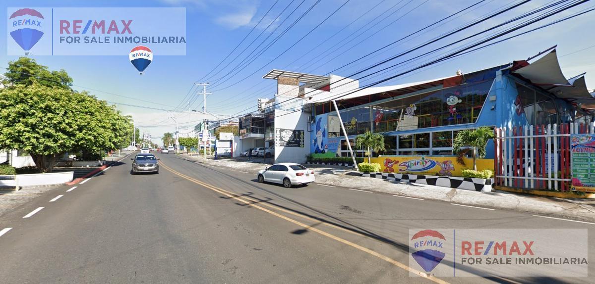 Foto Edificio Comercial en Renta en  Vista Hermosa,  Cuernavaca  Renta de terreno comercial, sobre Av. Río Mayo, Cuernavaca, Morelos…Clave  3633