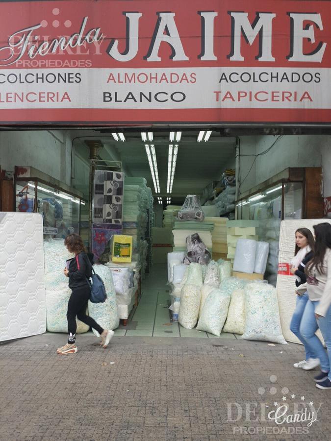 Foto Local en Alquiler en  Cordón ,  Montevideo  18 de Julio frente Facultad de Derecho