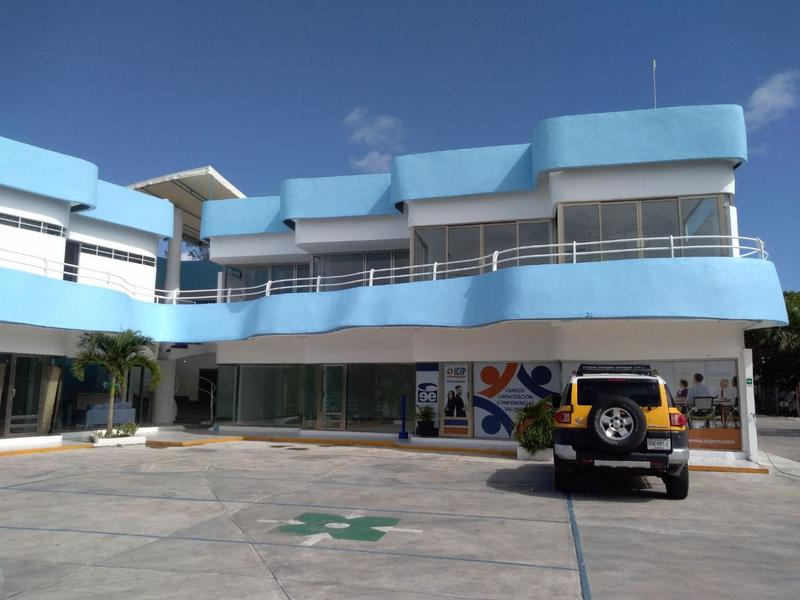 Playa del Carmen Bussiness Premises for Rent scene image 9