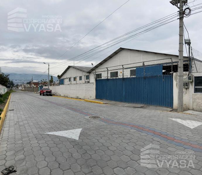 Foto Bodega en Alquiler en  Calderón,  Quito  CALDERÓN - MARIANITAS,  BODEGA DE RENTA DE 823 m2