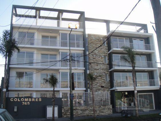 Foto Departamento en Alquiler en  Lomas de Zamora Oeste,  Lomas De Zamora  Colombres 745 1ºF