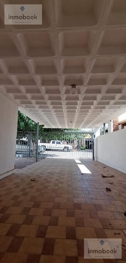 Foto Casa en Venta en  San Felipe,  Chihuahua  Casa U Oficina en Venta, en Sanfelipe a Una Cuadra de O. Mena