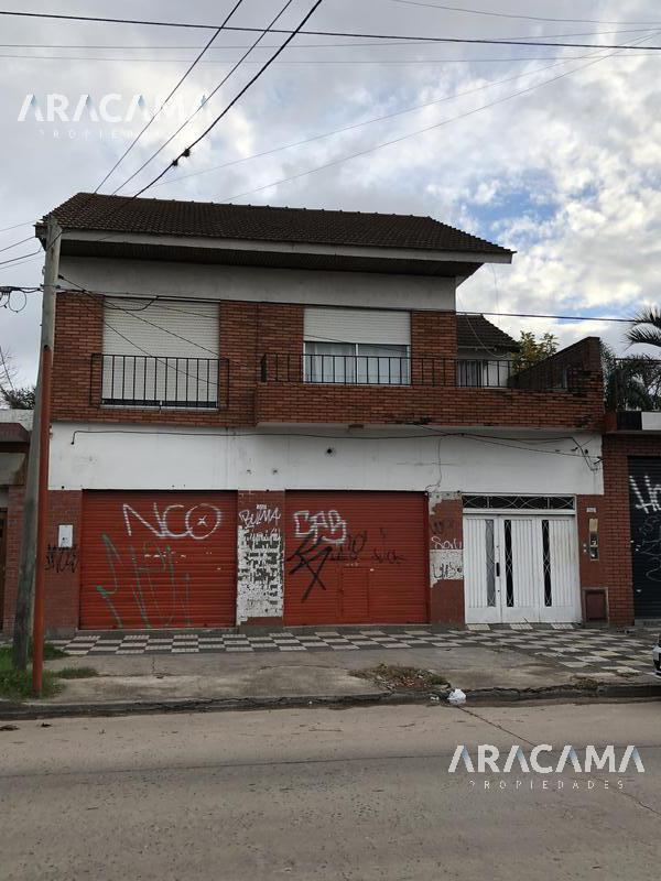Foto Local en Venta en  Monte Grande,  Esteban Echeverria  Alem al 1200