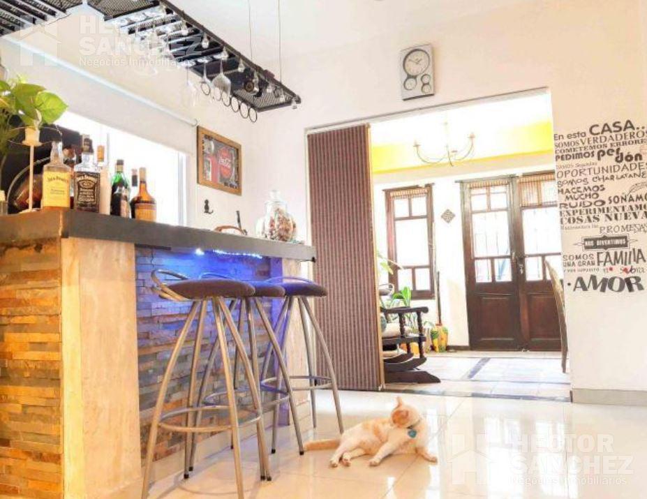 Foto Casa en Venta en  Villa Sarmiento,  Moron  Marcos Paz al 900