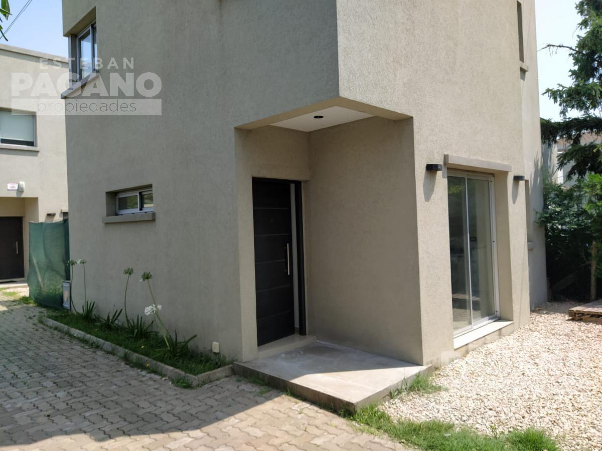 Foto PH en Venta en  City Bell,  La Plata  467 e Cno Bno y 23, duplex 1