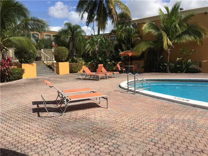 Foto Departamento en Venta en  Miami-dade ,  Florida  NW 68TH AVE HIALEAH al 18100