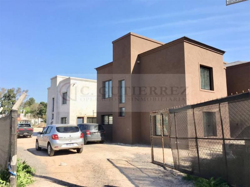 Foto Casa en Venta en  Pilar ,  G.B.A. Zona Norte  Las Margaritas y La Tapera al 200
