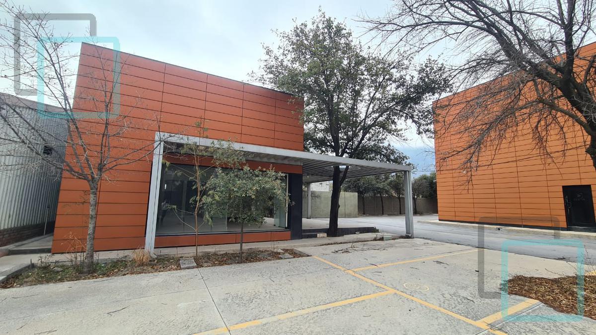Foto Edificio Comercial en Venta en  La Fama,  Santa Catarina  VENTA DE EDIFICIO COMERCIAL EN LA FAMA ZONA SANTA CATARINA
